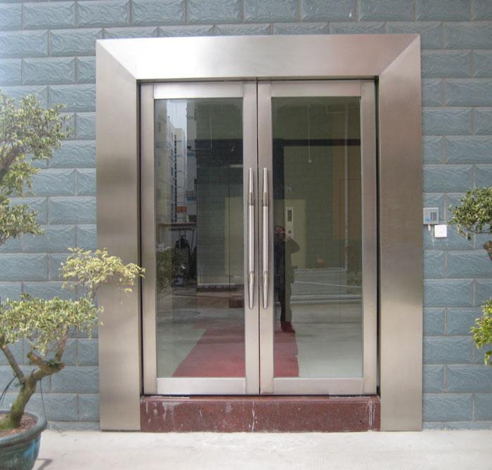 不锈钢玻璃防火门带门套包墙体